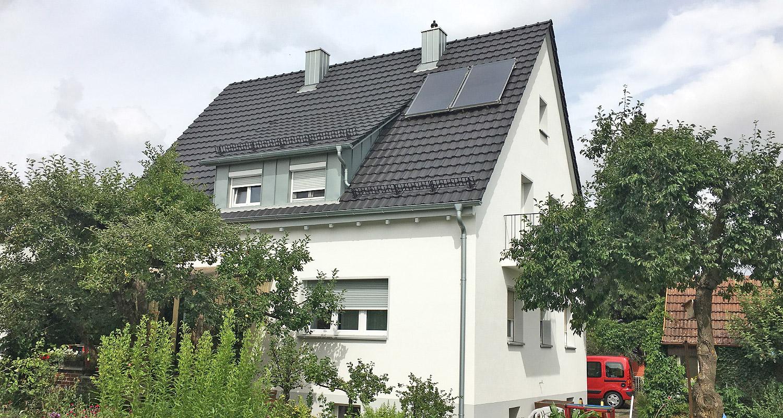 referenzen f r energetische sanierung austausch fenster und haust r sanierung der fassade. Black Bedroom Furniture Sets. Home Design Ideas
